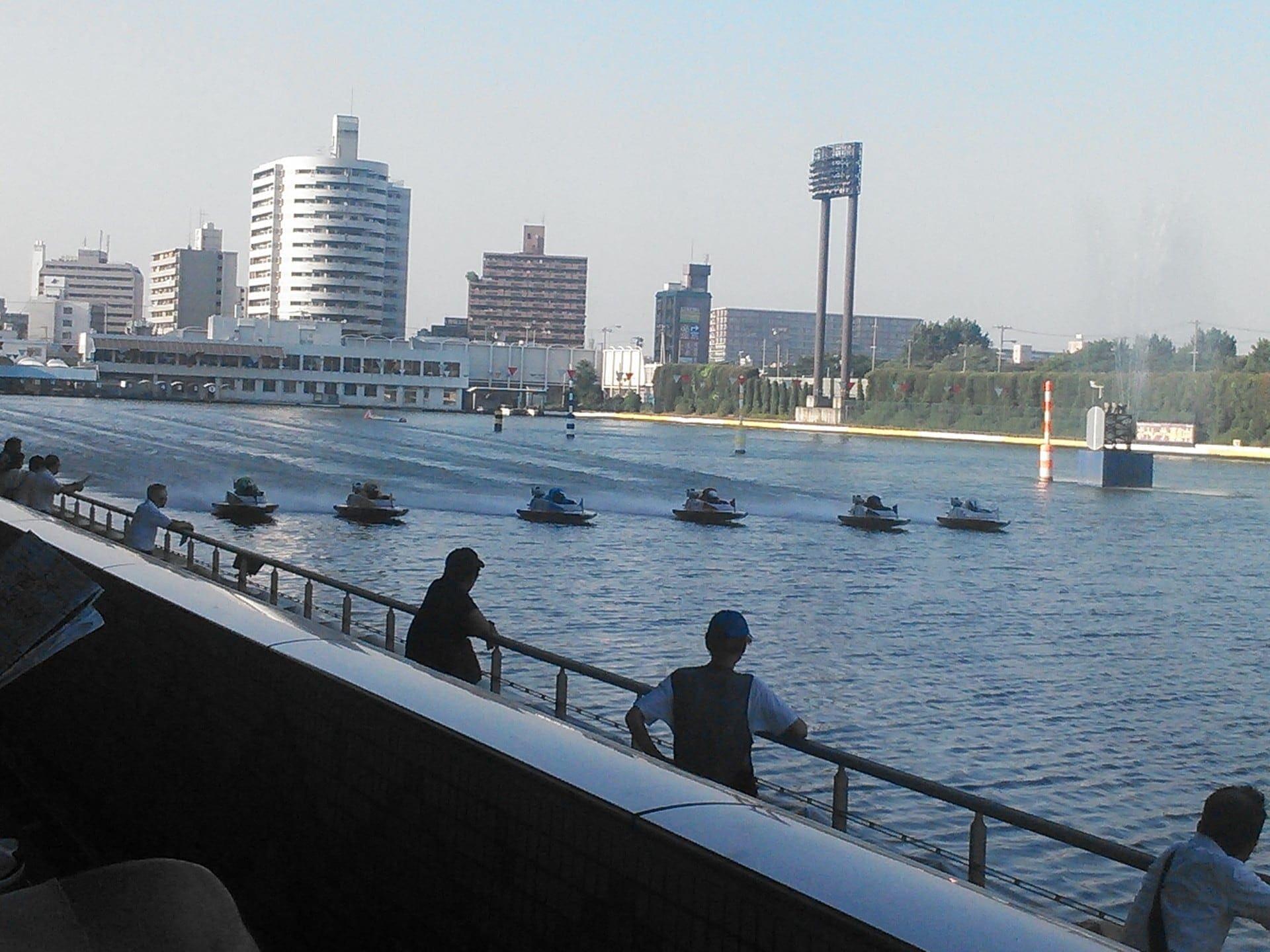 競艇(ボートレース)は日本全国各地に24場、韓国に1場