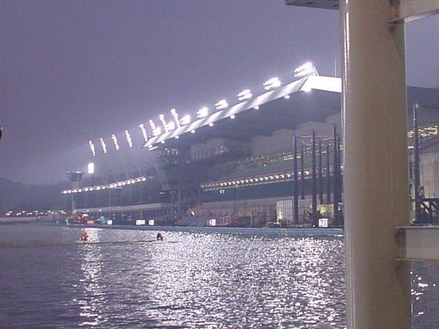 悪天候などで荒れやすいレースを狙おう