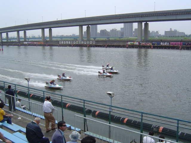 江戸川競艇場はボートレーサー泣かせの難水面