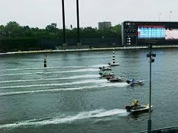 競走水面はプールで水質は淡水