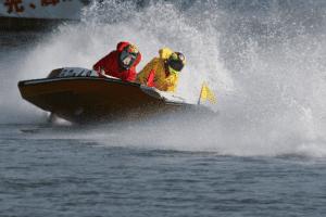 競艇のダンプは、高度な技と違反行為の紙一重!?競艇のダンプを徹底解析!