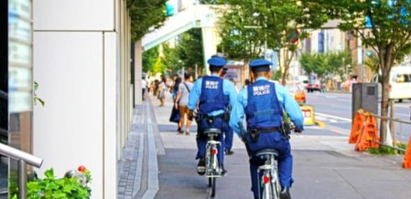 競艇 何歳から 警察官による補導