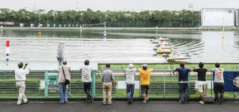 多摩川競馬場の昼間の風景